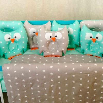 Комплект в кроватку 11 предметов бязь «Совушки» серо-мятные звезды