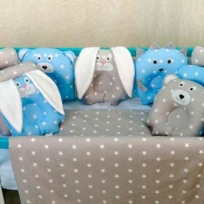 Комплект в кроватку 11 предметов бязь «Лесные зверята» серо голубые звезды