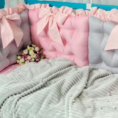 Комплект в кроватку 10 предметов сатин «Бусинка» серо-розовый